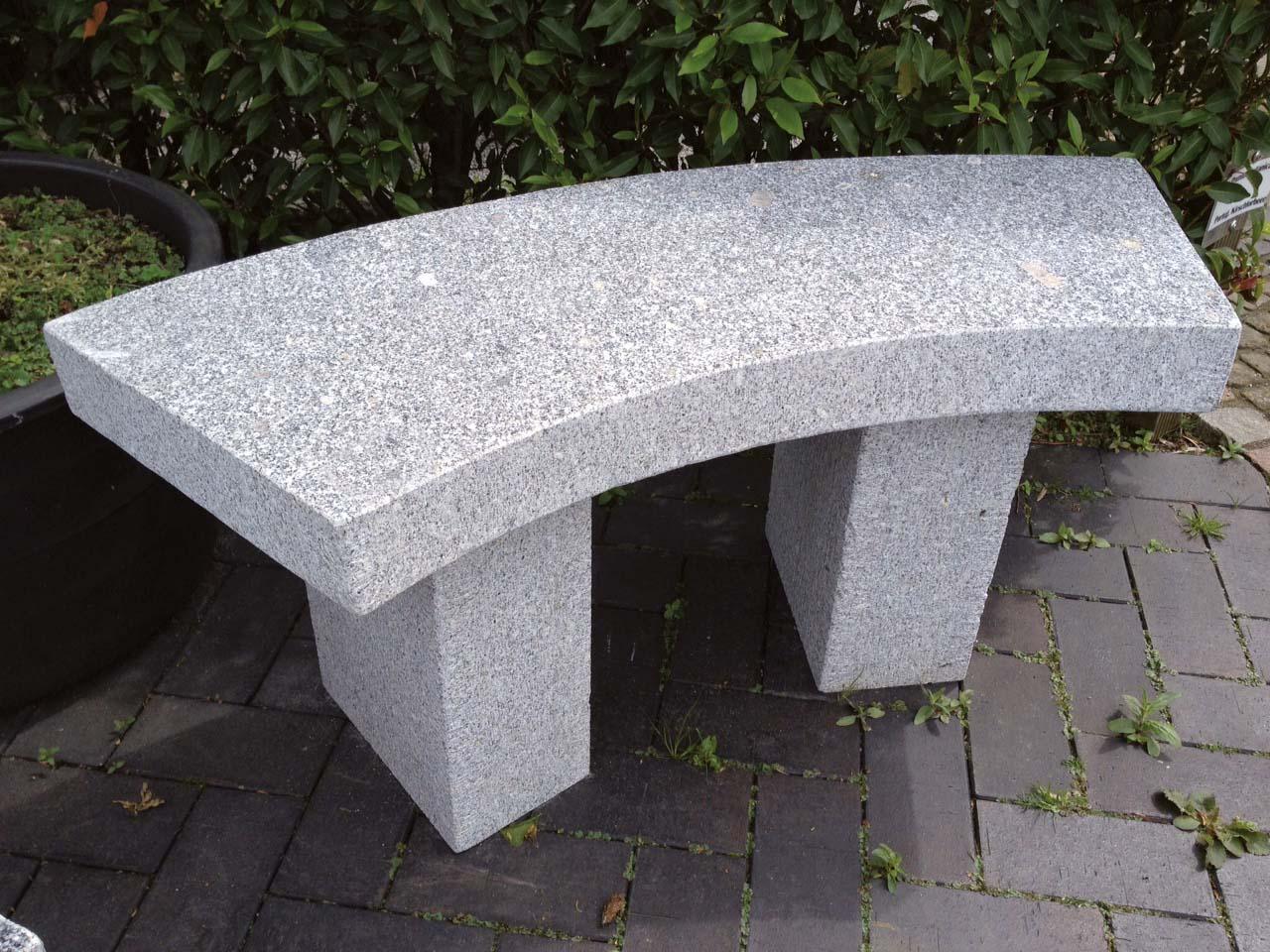Gartenbank Toulouse Granit  gebogen