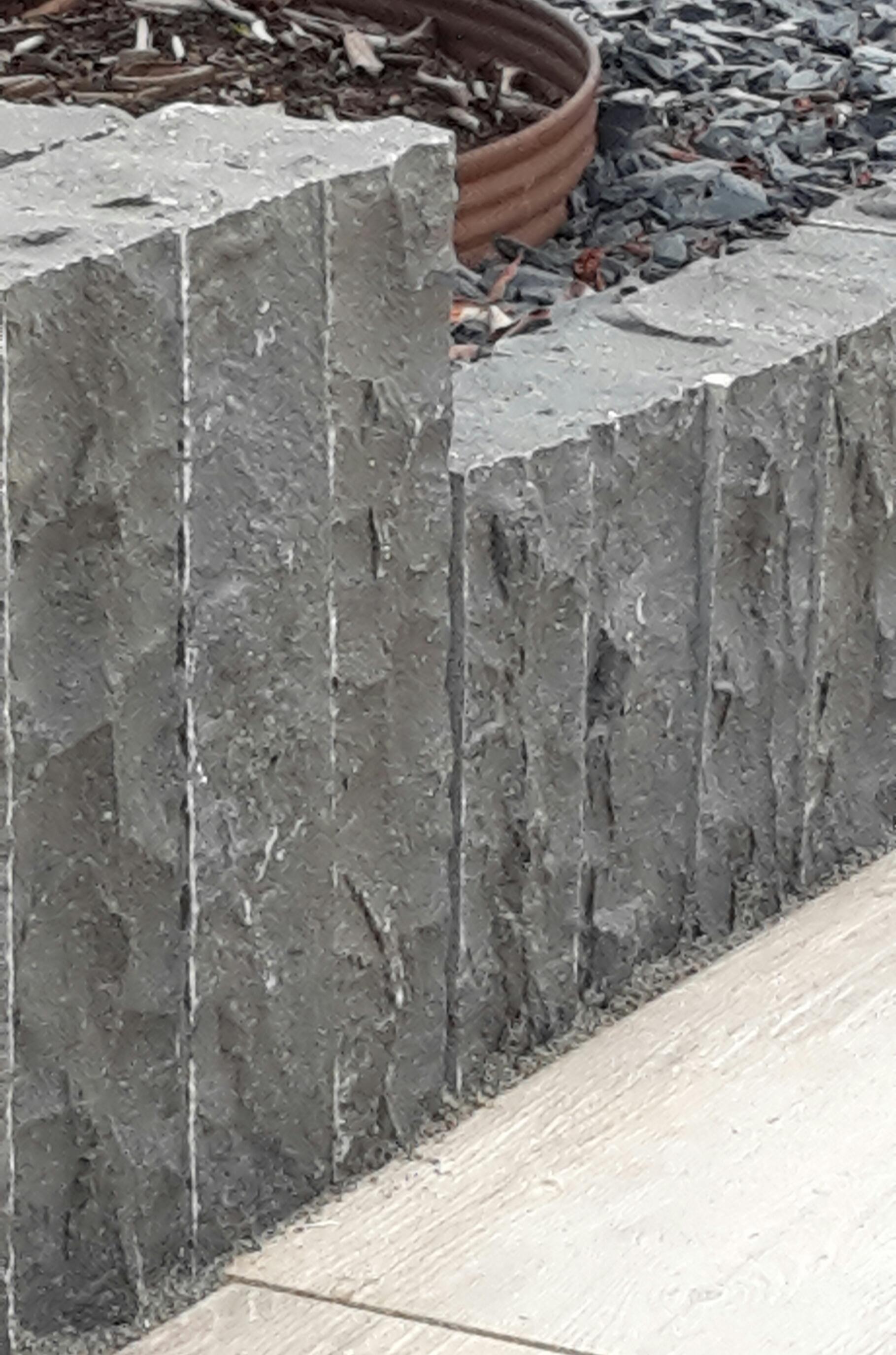 Palisade Basalt Kerala 12x12x200 cm Endstück