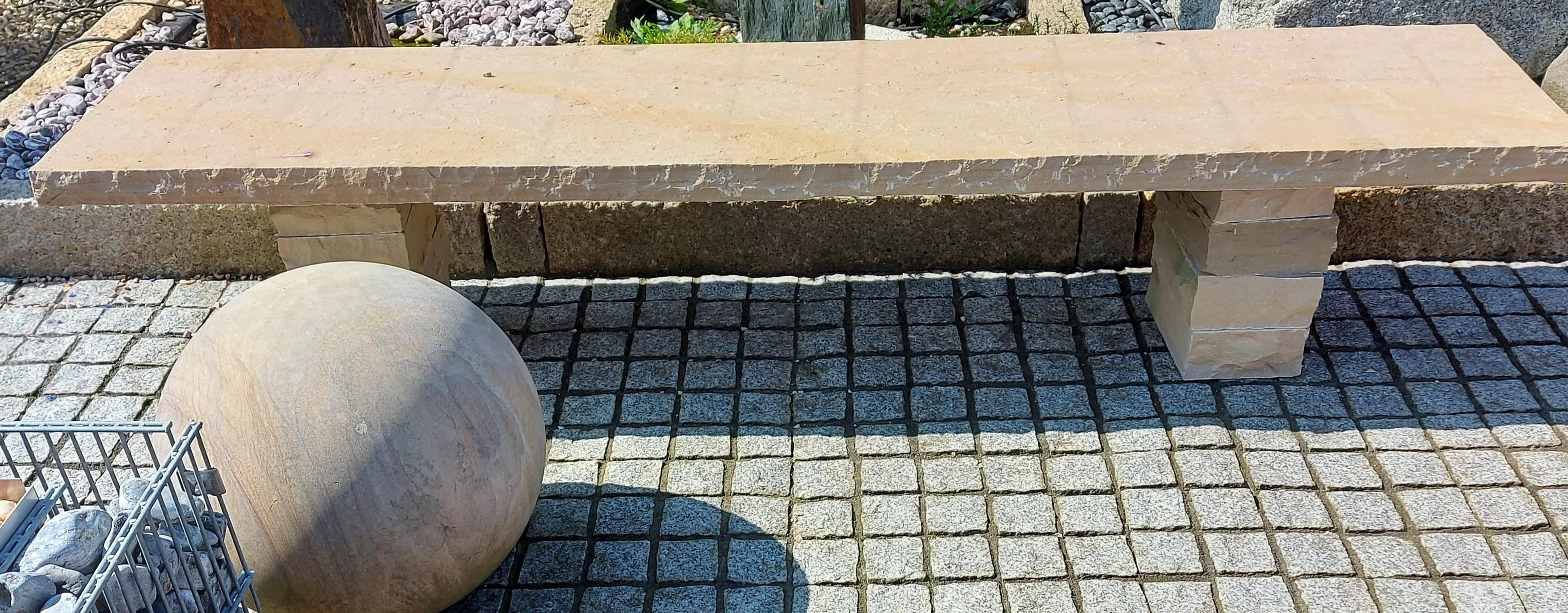 Gartenbank Sandstein 230x50xca.45 cm Höhe