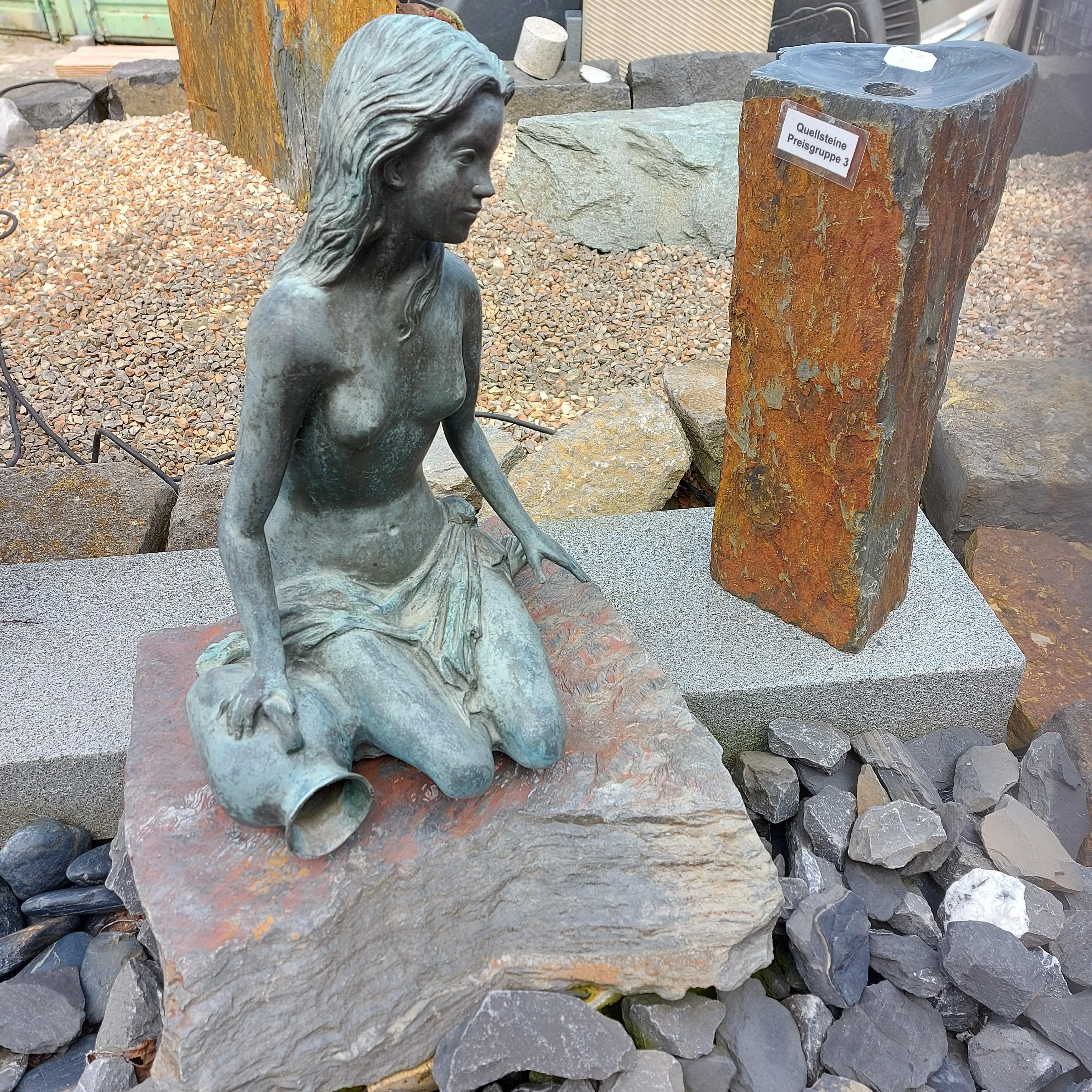 Bronze - Jasmin auf Schiefer