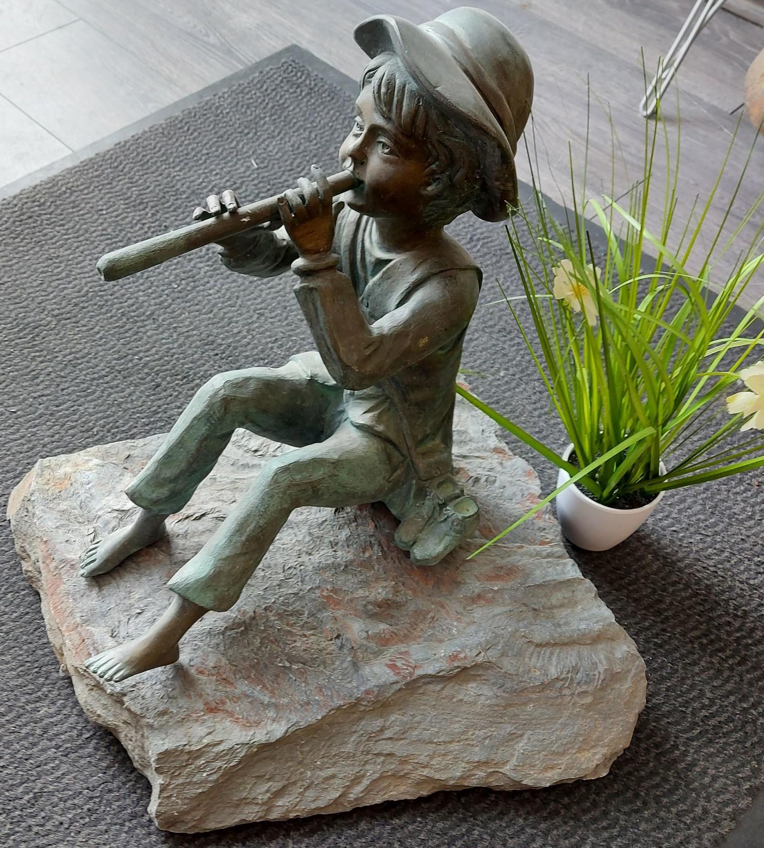 Bronze  - Toni